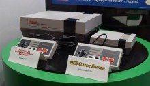 Il Nintendo Nes (a destra) a confronto con il suo predecessore (a sinistra)