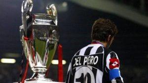 Del Piero alla premiazione della finale persa del 2003