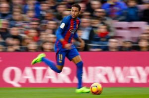 """Neymar, 25 anni, è ora il calciatore """"più ricco"""" del mondo"""